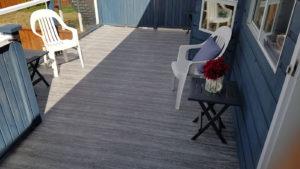Small deck covered in Duradek vinyl