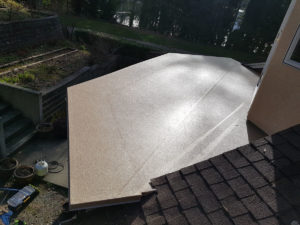 Sproat Lake view home deck repaired and new vinyl installed